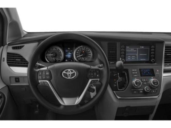 New-2019-Toyota-Sienna-xle
