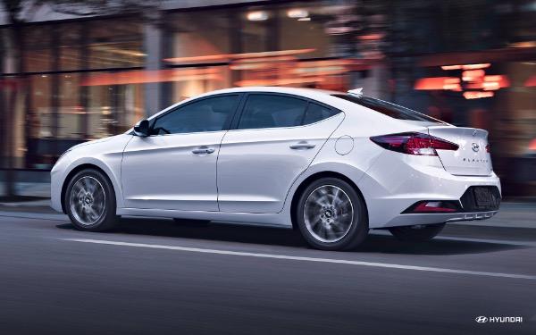 New-2019-Hyundai-Elantra-SE