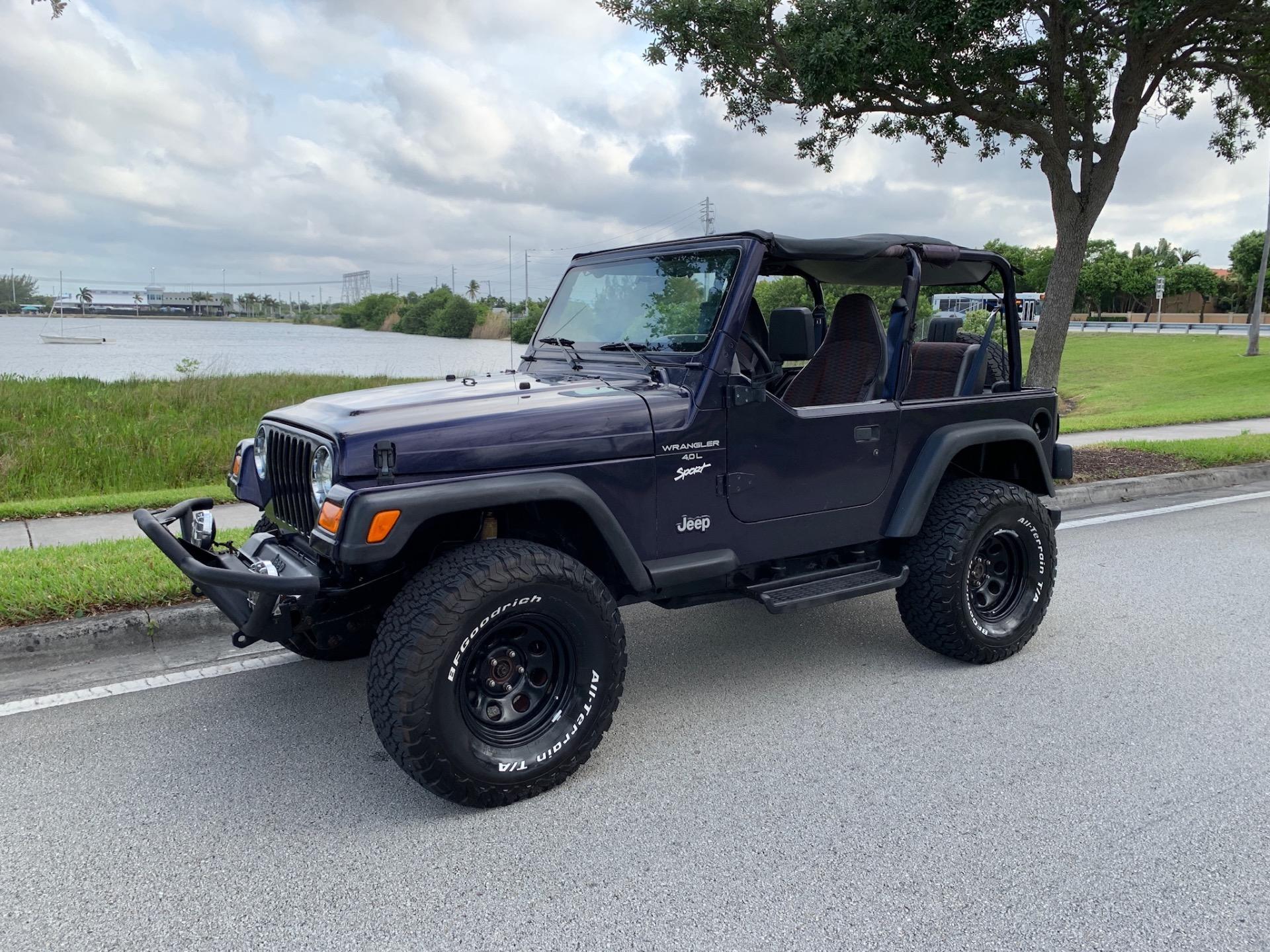 Used-1998-Jeep-Wrangler-Sport-Sport