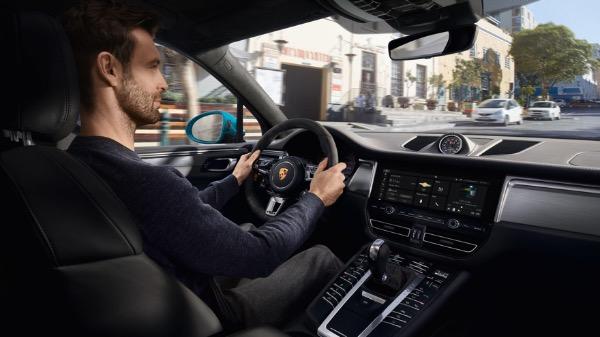 New-2021-Porsche-Macan