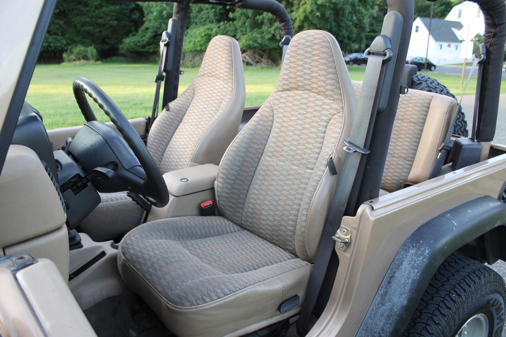 Used-1999-Jeep-Wrangler-Sport-Sport
