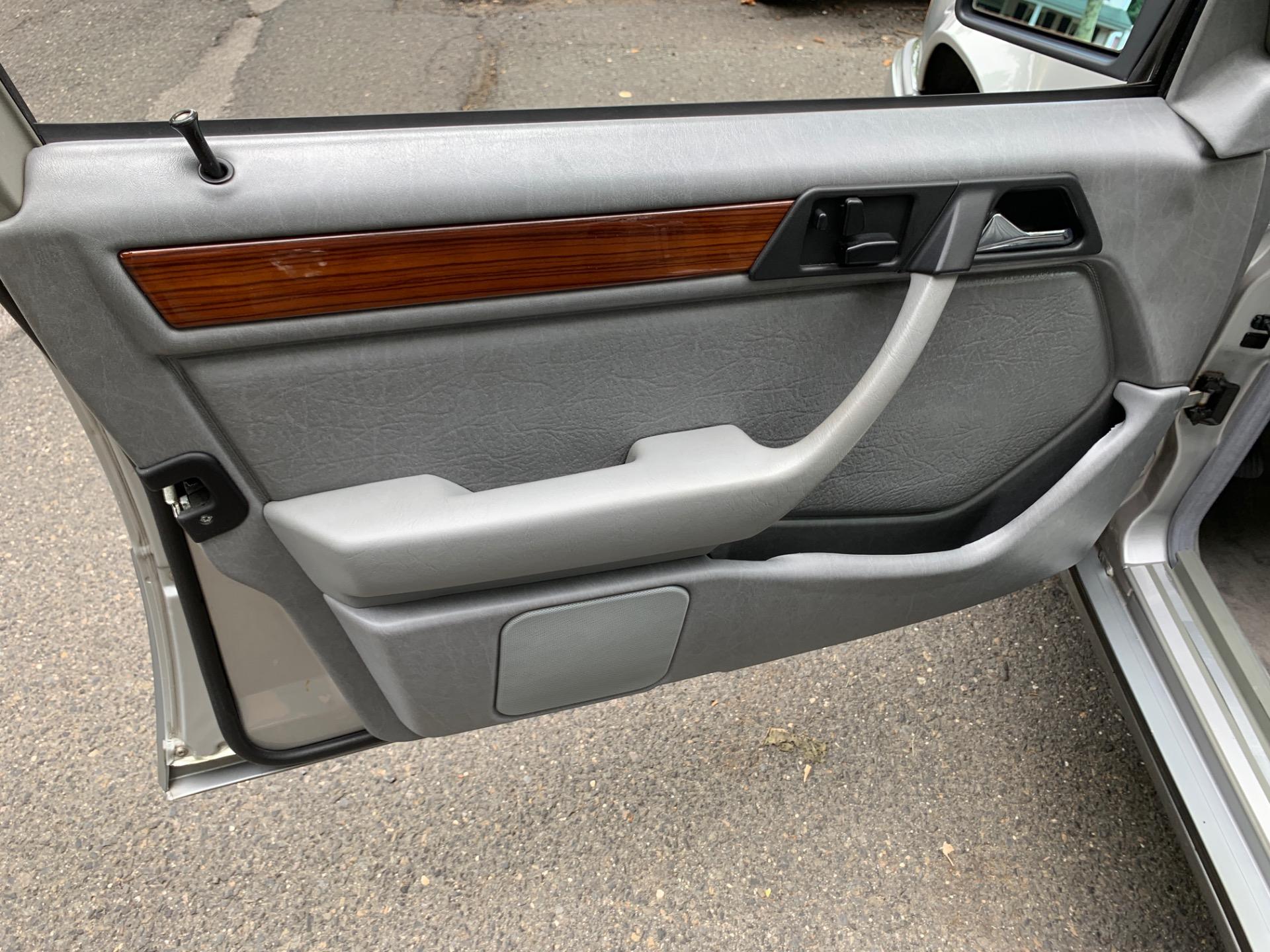 Used-1995-Mercedes-Benz-E-Class-E-320