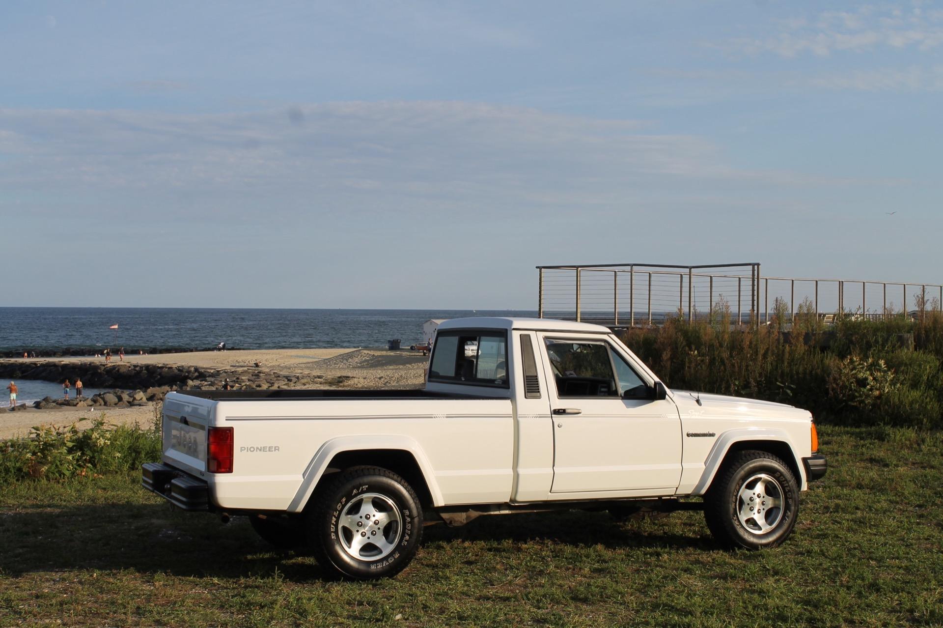 Used-1991-Jeep-Comanche-Pioneer