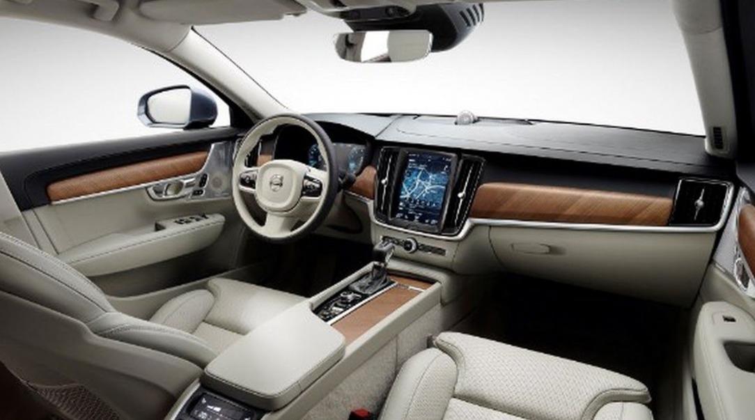 New-2019-Volvo-S60-Momentum