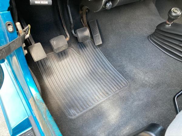 Used-1994-Jeep-Wrangler-Splash-Edition-YJ