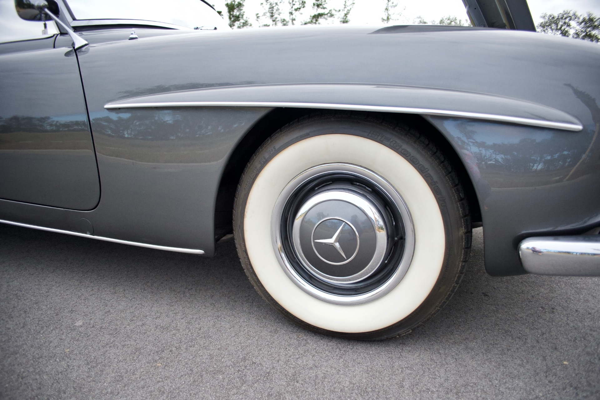 Used-1963-Mercedes-Benz-190SL